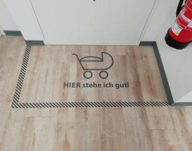 Fußbodenbeschriftung